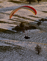 Para Gliding Sussex Downs under Snow